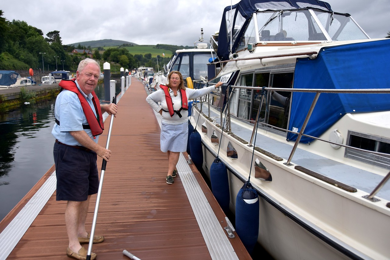 Our neighbours for the previous night, Stephen & Marguerite Maher, the crew of Gerda, have risen early to give us a hand as we prepare to depart  Killaloe.