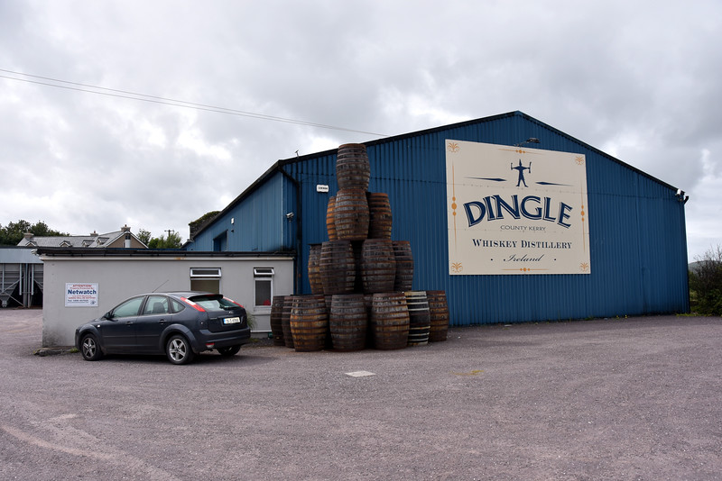 circa 15:30...we stop off at Dingle Distillery to replenish our stock of Dingle Gin. And in the process we return some 'empties'! The distillery operates tours, including tastings of the gin, vodka and whiskey products.
