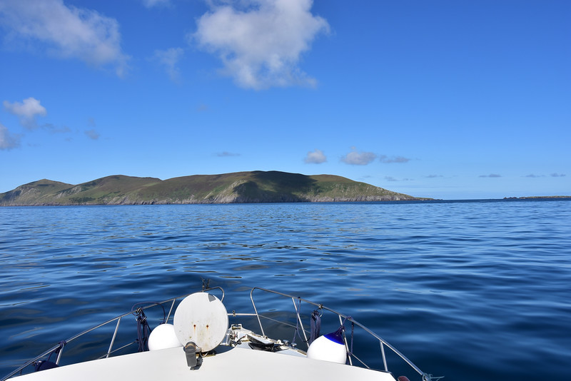 11:00... approaching Blasket Sound. Sea state still remarkably good....not a white horse in sight!