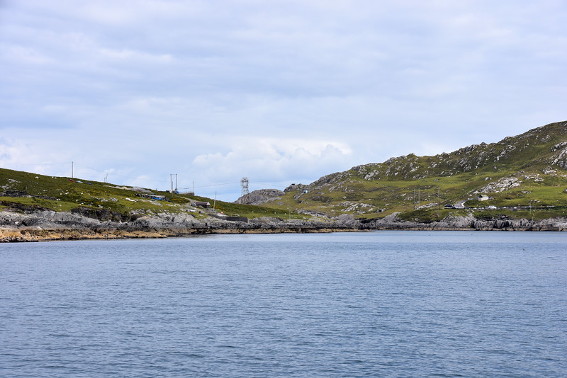11:02...The cable car which connects the mainland with Dursey Island.