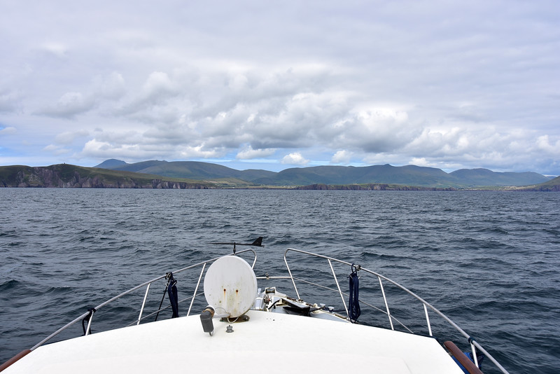 15:16... Arthur makes the approach to the entrance to Dingle Harbour.