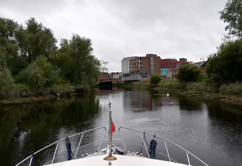 Baals Bridge and Abbey Bridge ahead. Virtually no distance between the two bridges so you have to line your boat up correctly (centre of bridge) to allow for the limited airdraft on either side of both of these arched bridges, in particular the Abbey Bridge.