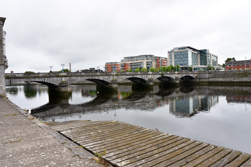 Sarsfield Bridge. We will pass under the second arch from the left. Note the high-water mark on the wall on the far side. Not long to go!