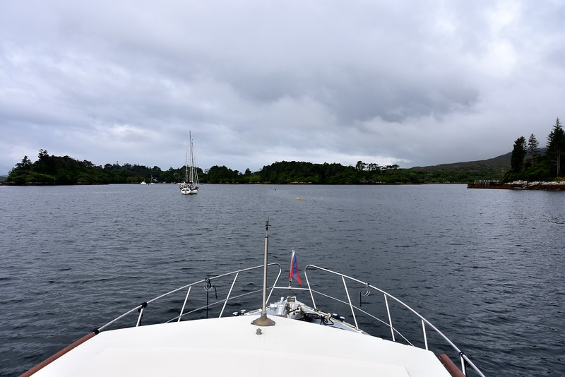 circa 09:35...We prepare to depart Sneem. Two yachts still on their visitor moorings. And one free visitor mooring (yellow) directly ahead of our bow.