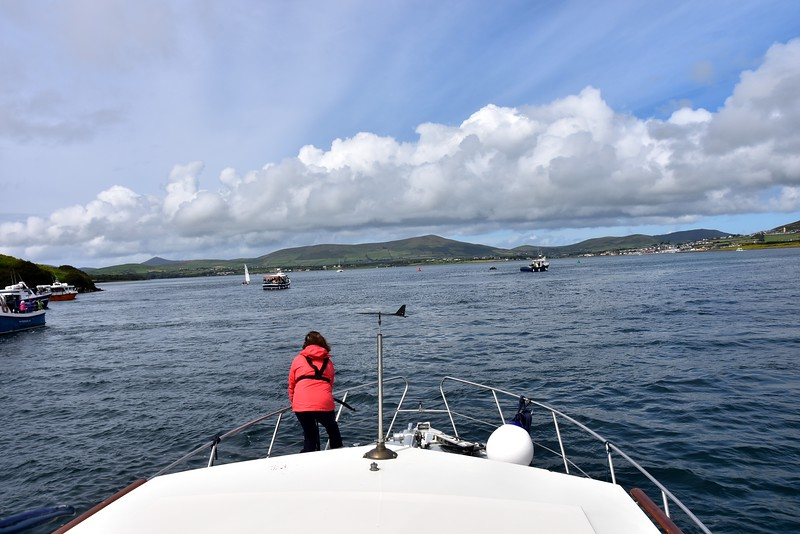 13:19...Threading our way through the posse of Dolphin Finder Boats.