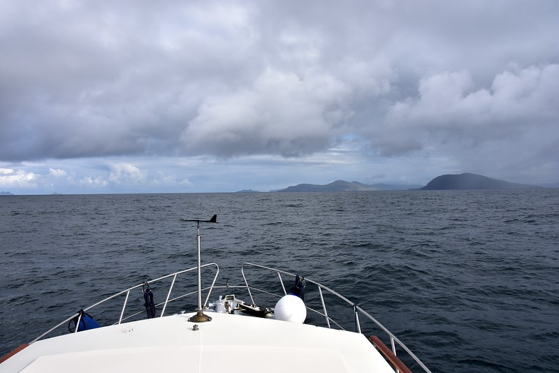 09:11... winds have picked up a little but still as per forecast. Skellig Islands on extreme left.