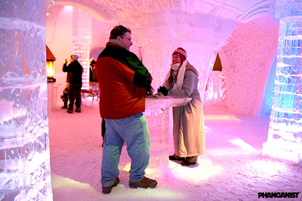Ice Bar in Hotel de glace Quebec