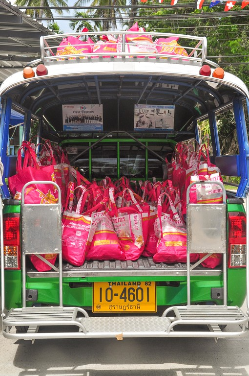 This truck full of Happy Bags is going to one of the food distribution point: Wat Samai Kongka.