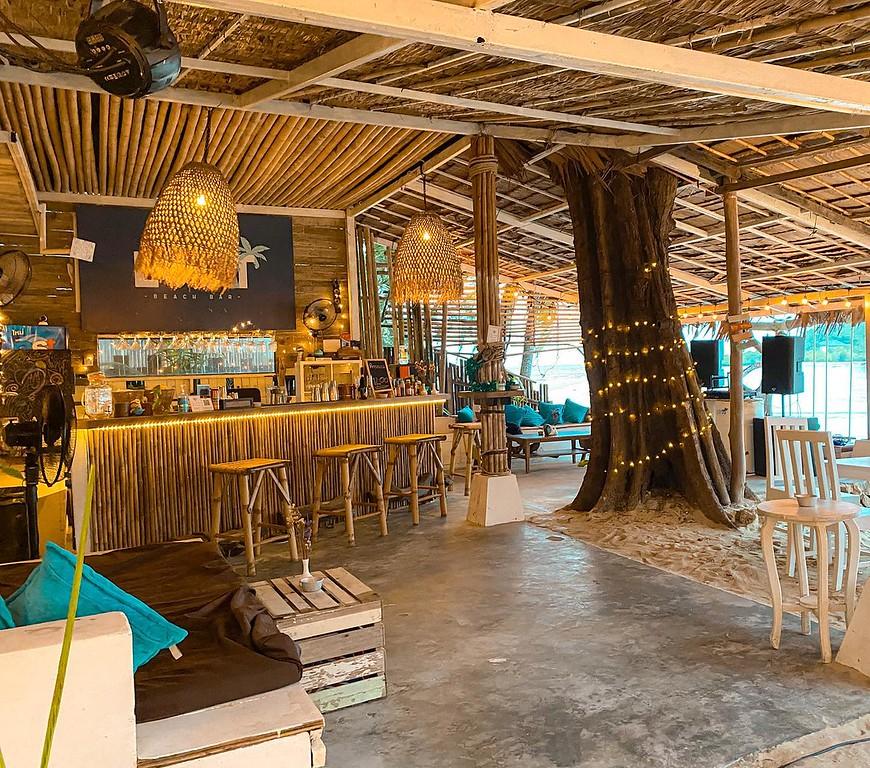 Lost Beach Bar