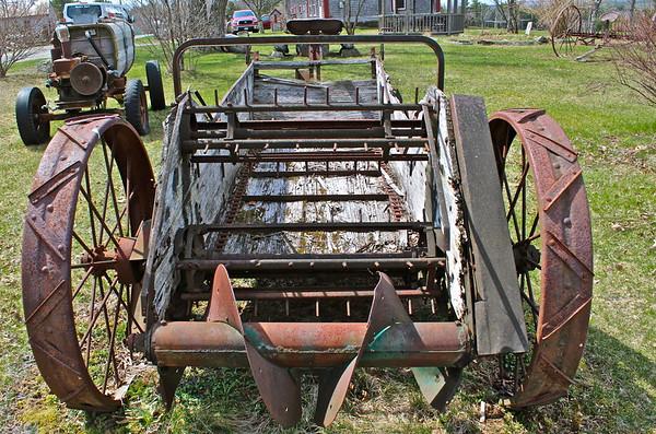 16.04.16 Farmer-Artist George Hendsbee in Whitefield