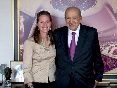 Linda with Jorge Enrique Illueca.  Mr. Illueca served as both Vice President and President of Panama, he was Panama's Ambassador to the United Nations (1976-1981) and the President of the UN General Assembly (1983 - 1984), as well as a member of the Permanent Court of Arbitration at the Hague (1974 - 1990).