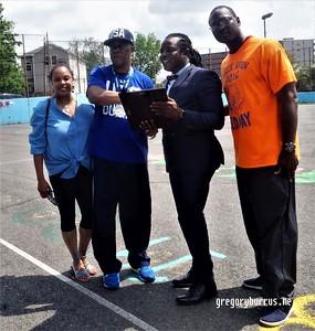 201706119 Olympic Day Avon Brick Coach Wali Moses w  CC Minton 0187