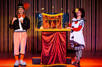 Circo de Pulgas - Célia Borges e Kiko Caldas - Acrobático Fratelli - Julho 2013