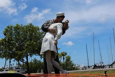 Statue Sarasota Sailor / Nurse
