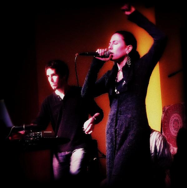 Donna De Lory<br /> LIVE