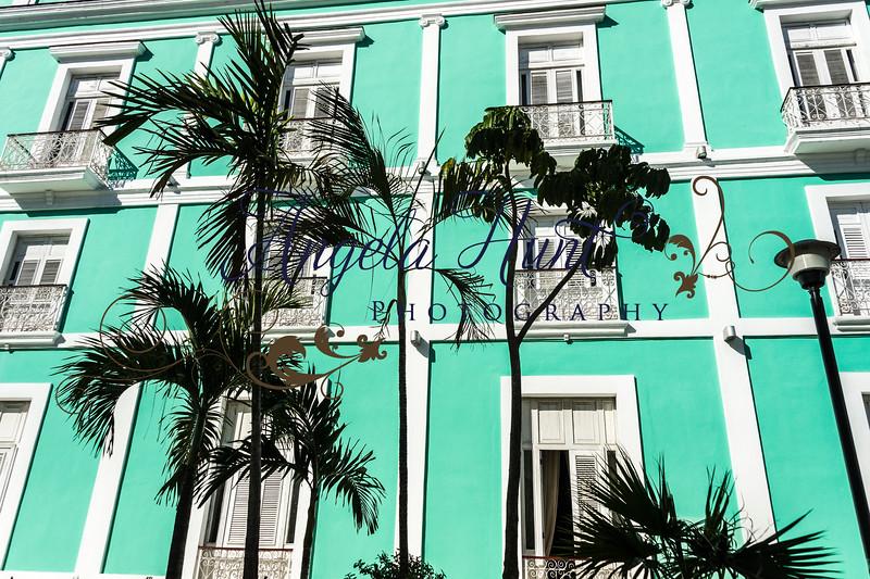 Cuban street scene.