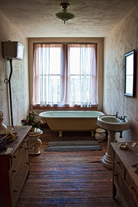 Old Hotel Bath - The Mobley Hotel  First Hilton Hotel located in Cisco, Texas