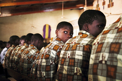"""College catholique, Burkina Faso, 2009"". 40x60 (100€), 50x75 (150€)"