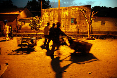 """Bamako, Mali, late afternoon, II, 2009"", 30x45 (65€), 40x60 (90€), 50x75 (125€)"