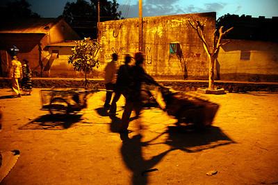 """Bamako, Mali, late afternoon, II, 2009"", 30x45 (65€), 40x60 (90€), 50x75 (125€)"