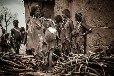 """Turmi Sunday market,  S.Ethiopia, 2011"". 40x60 (120€), 50x75 (180€)"