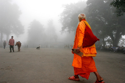 """""""Towards the fog, Darjeeling, India, 2007"""". 30x45 (90€), 40x60 (120€), 50x75 (250€)."""