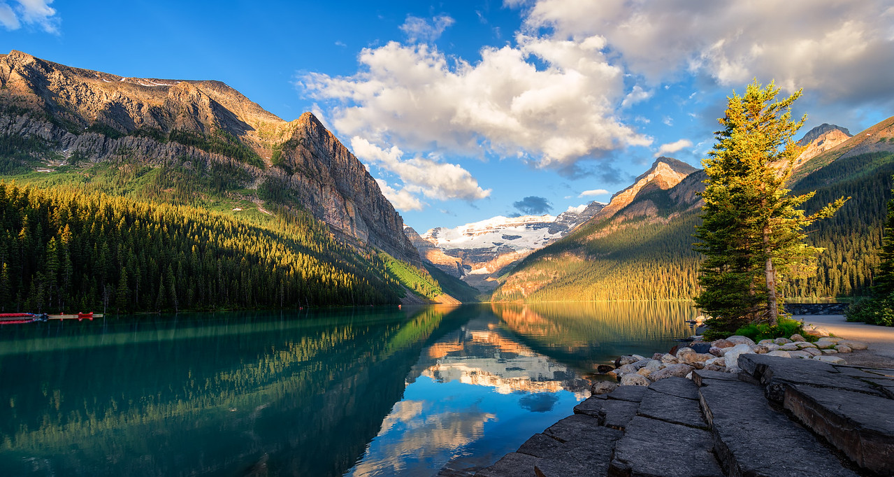 Enchanting Sunrise     Lake Louise, British Columbia