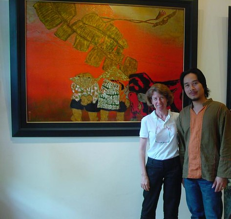 I enjoyed meeting with Khuong (over a strong cup of Vietnamese coffee) to discuss some of his latest works.  He likes working on a grand scale as well as on his smaller (80x80) pieces that we typically feature in Tokyo.