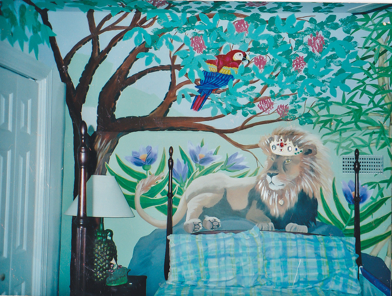 Contact: April Bensch<br /> Phone: 843-997-9917<br /> E-Mail: aprilbensch@sc.rr.com<br /> children's room jungle mural