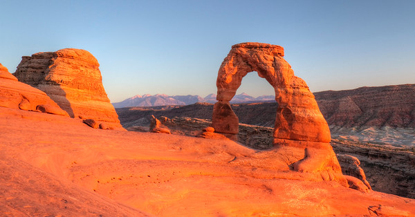 Delicate Arch @ Sunset.    Arches National Park, Utah