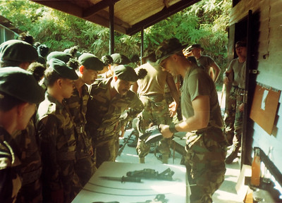 Showing the Malaysian soldiers the M16 A2