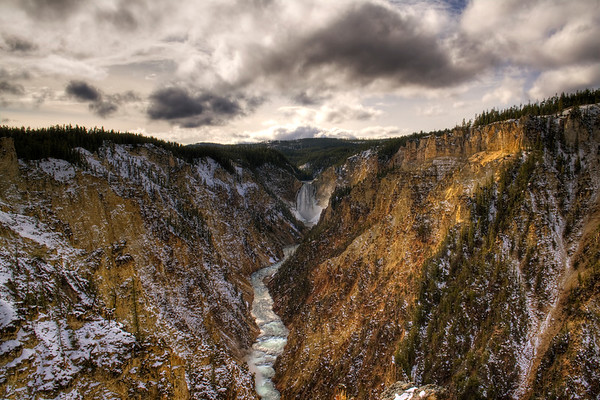 Yellowstone Canyon facing Upper Falls