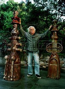 Brazilian landscape architect Roberto Burle Marx at his residence, the Santo Antonio da Bica sítio in Barra de Guaratiba, Rio de Janeiro, Brazil, Oct. 14, 1990. (Austral Foto/Renzo Gostoli)