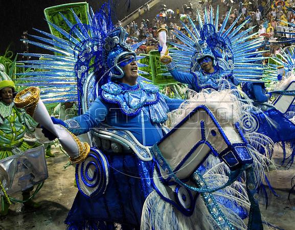 Dancers from the Unidos do Viradouro samba school perform at the Sambadrome during the samba school parade, Rio de Janeiro, Brazil, March 5, 2011. (Austral Foto/Renzo Gostoli)