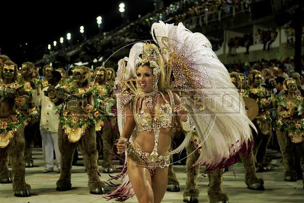 Drum queen of the Academicos do Salgueiro samba school performs at the Sambadrome during the samba school parade, Rio de Janeiro, Brazil, March 7, 2011. (Austral Foto/Renzo Gostoli)