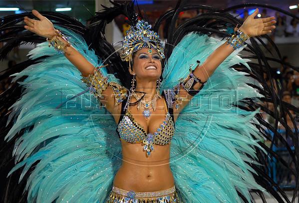 Miss Brazil  Natalia Guimaraes, drum queen of Vila Isabel samba school performs at Sambadrome, Rio de Janeiro, Brazil, Feb. 04, 2008.   (Austral Foto/Renzo Gostoli)