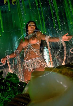 A samba dancer of Vila Isabel samba school performs at Sambadrome, Rio de Janeiro, Brazil, Feb. 04, 2008.   (Austral Foto/Renzo Gostoli)