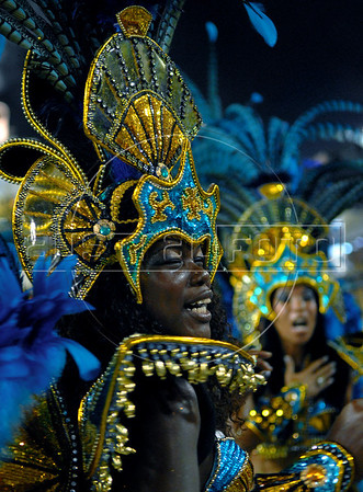 A dancer of the Vila Isabel samba school performs at Sambadrome, Rio de Janeiro, Brazil, Feb. 04, 2008.   (Austral Foto/Renzo Gostoli)