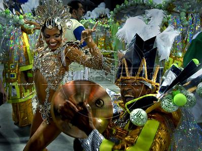 Dancers from the Imperio Serrano samba school perform at the Sambadrome during the samba school parade in Rio de Janeiro, Brazil, Feb. 19, 2007. (Austral Foto/Renzo Gostoli)