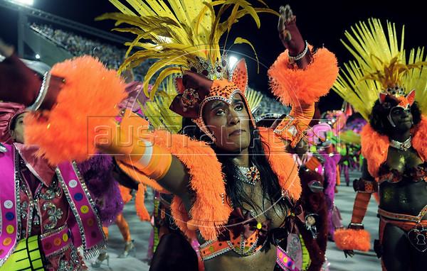 Samba dancer Diana Prado performs at the Sambadrome during the Sao Clemente samba school parade,  Rio de Janeiro, Brazil, February 11, 2013. (Austral Foto/Renzo Gostoli)