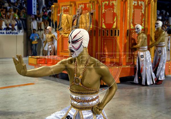 Dancers of the Porto da Pedra samba school perform at Sambadrome, Rio de Janeiro, Brazil , Feb. 03, 2008.  The Porto da Pedra samba school celebrates the 100th. anniversary of the first japanese inmigration to Brazil. (Austral Foto/Renzo Gostoli)