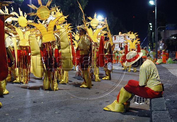 Members of Sao Clemente samba school wait to parade at Sambadrome on the first night of the Carnival samba school parade, Rio de Janeiro, Brazil , February 13, 2010.  (Austral Foto/Renzo Gostoli)