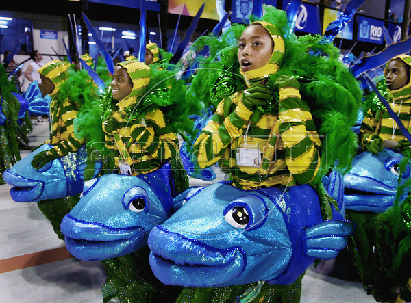 Childs of a samba school perform at Sambadrome, Rio de Janeiro, Brazil , February 19, 2012. (Austral Foto/Renzo Gostoli)