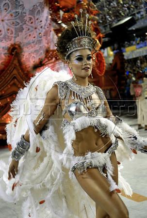 A dancer of Salgueiro samba school performs at Sambadrome, Rio de Janeiro, Brazil , February 20, 2012. (Austral Foto/Renzo Gostoli)