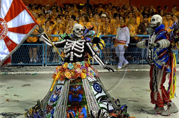 Members of Viradouro samba school performs at the Sambadrome during the samba school parade, Rio de Janeiro, Brazil, February 14, 2010. The Viradouro Samba school parade pays tribute to Mexico during Rio de Janeiro's 2010 carnival celebrations. (Austral Foto/Renzo Gostoli)