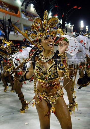 a dancer of Unidos da Tijuca samba school performs at Sambadrome, Rio de Janeiro, Brazil , February 14, 2010.  (Austral Foto/Renzo Gostoli)