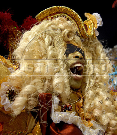 A member of Grande Rio samba school performs at Sambadrome on the first night of the Carnival samba school parade, Rio de Janeiro, Brazil , February 22, 2009. The Grande Rio Samba school parade pays tribute to France during Rio de Janeiro's 2009 carnival celebrations. (Austral Foto/<br /> Renzo Gostoli)