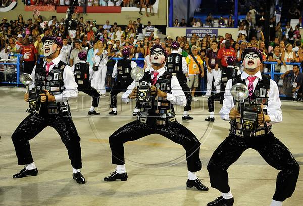Samba dancers perform at the Sambadrome during the  Academicos do Salgueiro samba school parade,  Rio de Janeiro, Brazil, February 10, 2013. (Austral Foto/Renzo Gostoli)