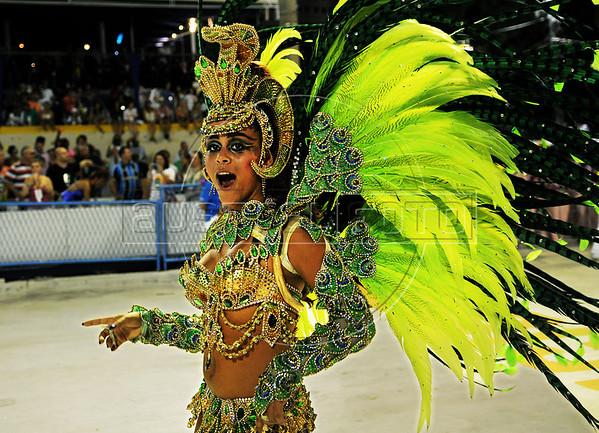 Princess of drummers Raphaela performs at the Sambadrome during the Sao Clemente samba school parade,  Rio de Janeiro, Brazil, February 11, 2013. (Austral Foto/Renzo Gostoli)