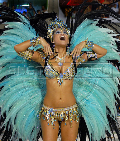 Miss Brazil  Natalia Guimaraes, drum queen of Vila Isabel samba school performs at Sambadrome, Rio de Janeiro, Brazil, Feb. 04, 2008.   (Austral Foto/Renzo Gostoli)